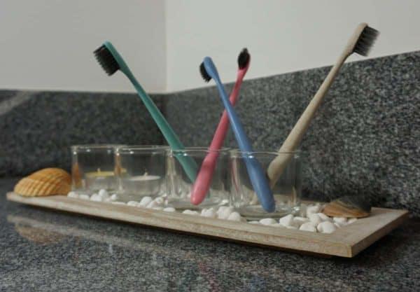 Zahnbürsten aus recyceltem Plastik