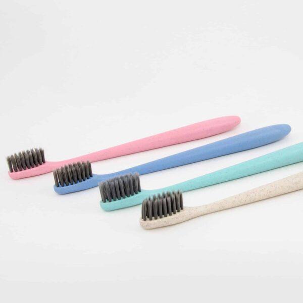 Zahnbürsten imprägniert mit Aktivkohle für sanfte und gründliche Renigung der Zähne