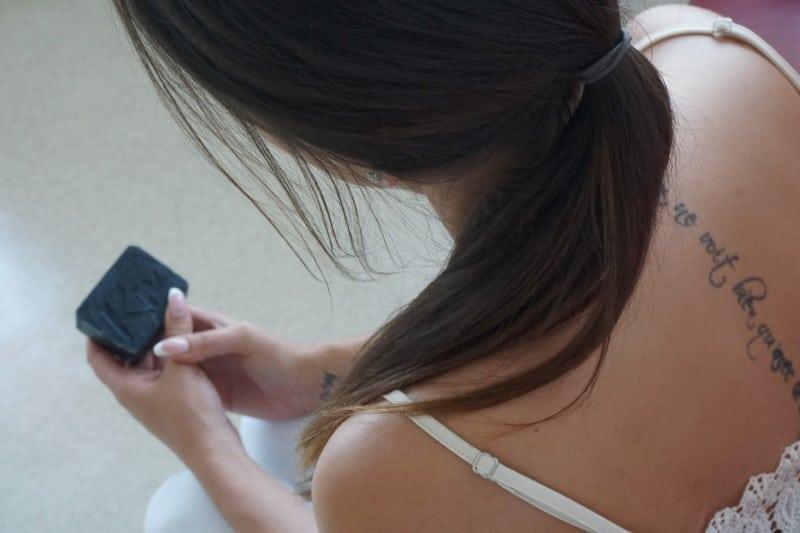Schwarze Seife - die Lösung bei Neurodermitis