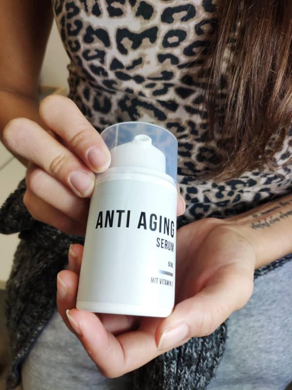 Benutzerin - natürliches Anti Aging Serum
