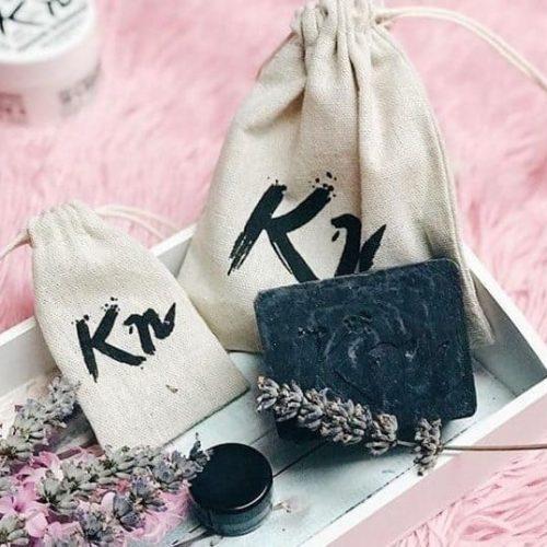 Karbonoir schwarze Seife